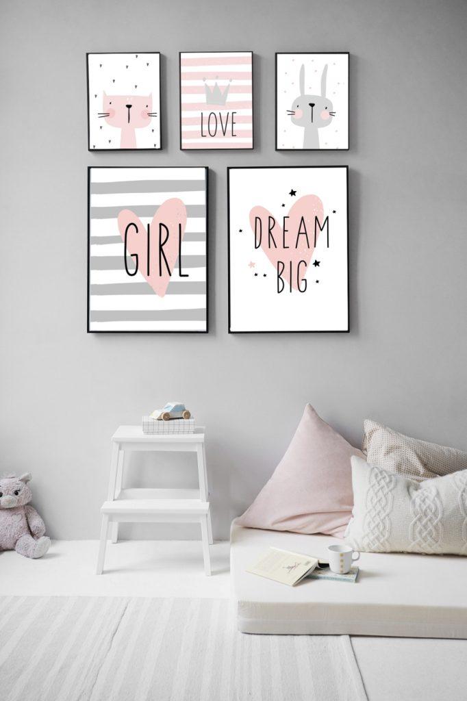 szaro-różowy pokój